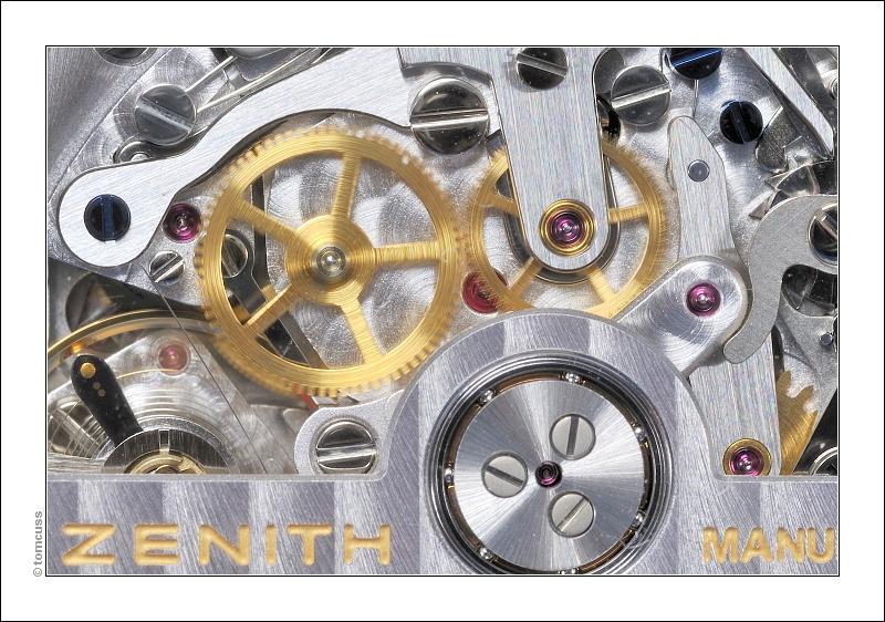 Vos plus belles photos de mouvements ZENITH - Page 2 Zenith_DSC6564